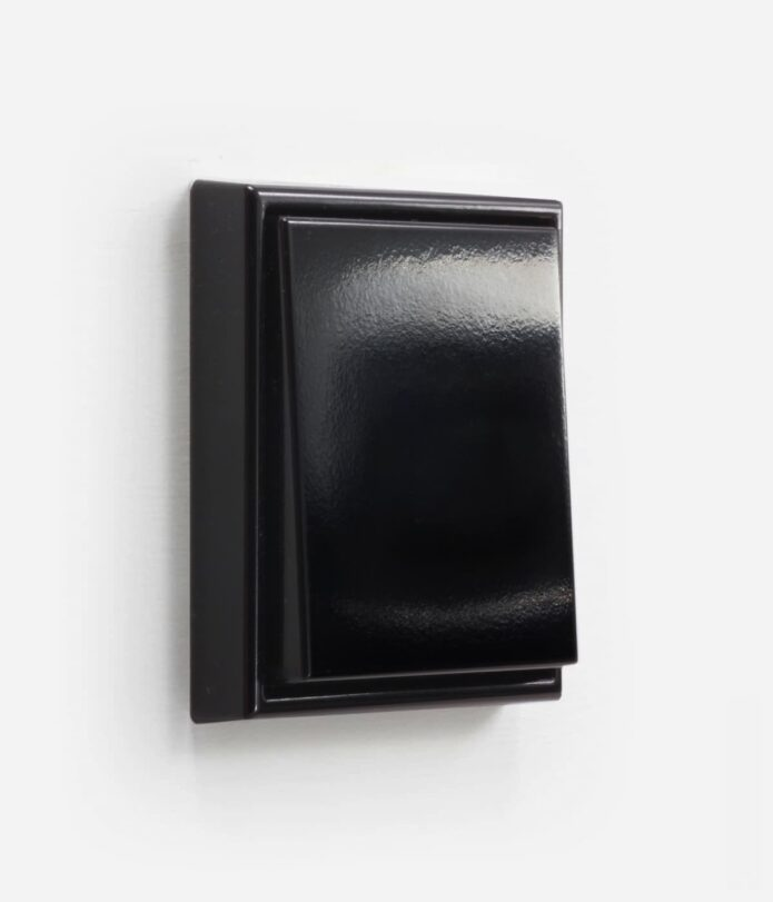 LS990 Black Single
